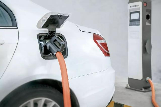 共享私人充电桩 或许是解决充电桩不足的极佳方法