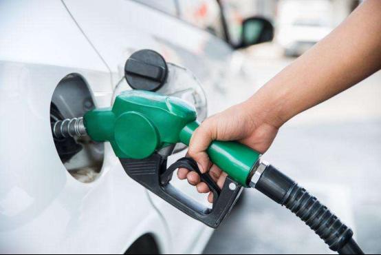 电动汽车和燃油汽车谁的用车本钱更低?