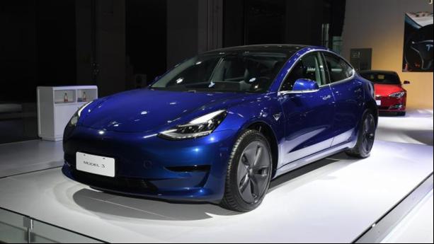 路咖与车:获补贴金额 国产特斯拉Model 3减配降价?