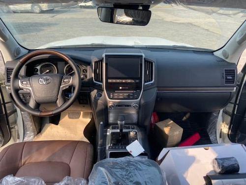 2020款中东版丰田酷路泽5700VXS顶配GTS版刺绣现车价格