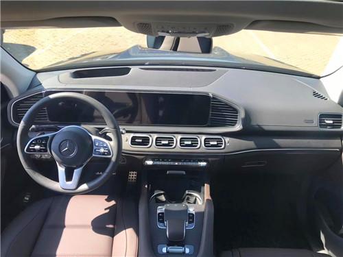 奔驰GLS450加版AMG超值七座咖内※钜惠大屏科技包小牛皮