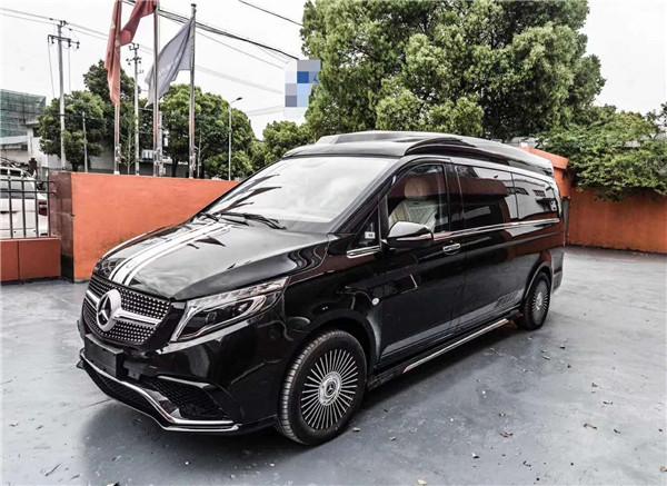 上海奔驰威霆高顶商务车 豪华内饰升级自成一格兼得优雅与品位