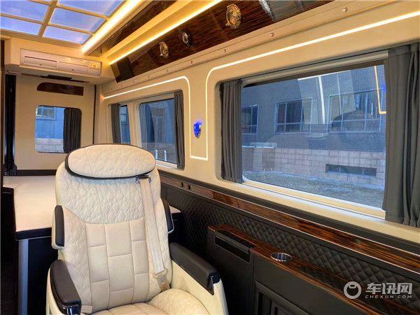 新款原装进口道奇公羊B型房车 V6大排量空间超大的商旅两用的房车