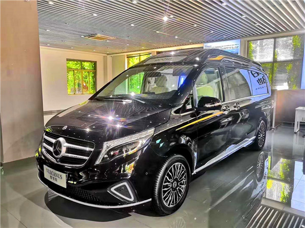 2020新款奔驰V260L高顶商务车 维努斯铂驰定制4+2型