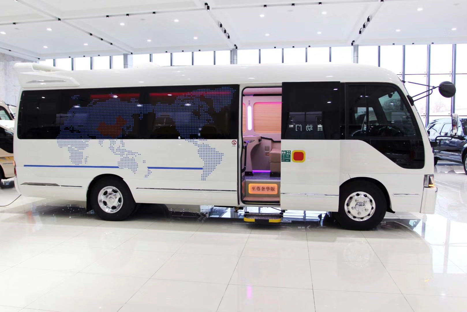 丰田考斯特商务巴士 北京顶级改装座椅升级
