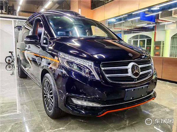 新款奔驰V260L高顶商务车 傲旋典雅黑棕限量款