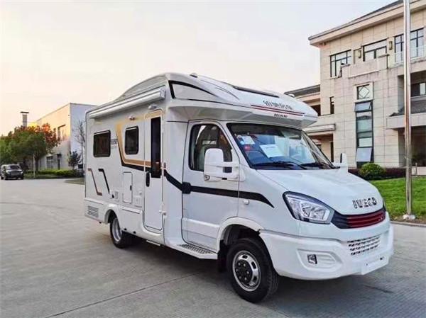 2020国产依维柯C型房车,铂驰C型小额头测拓展房车