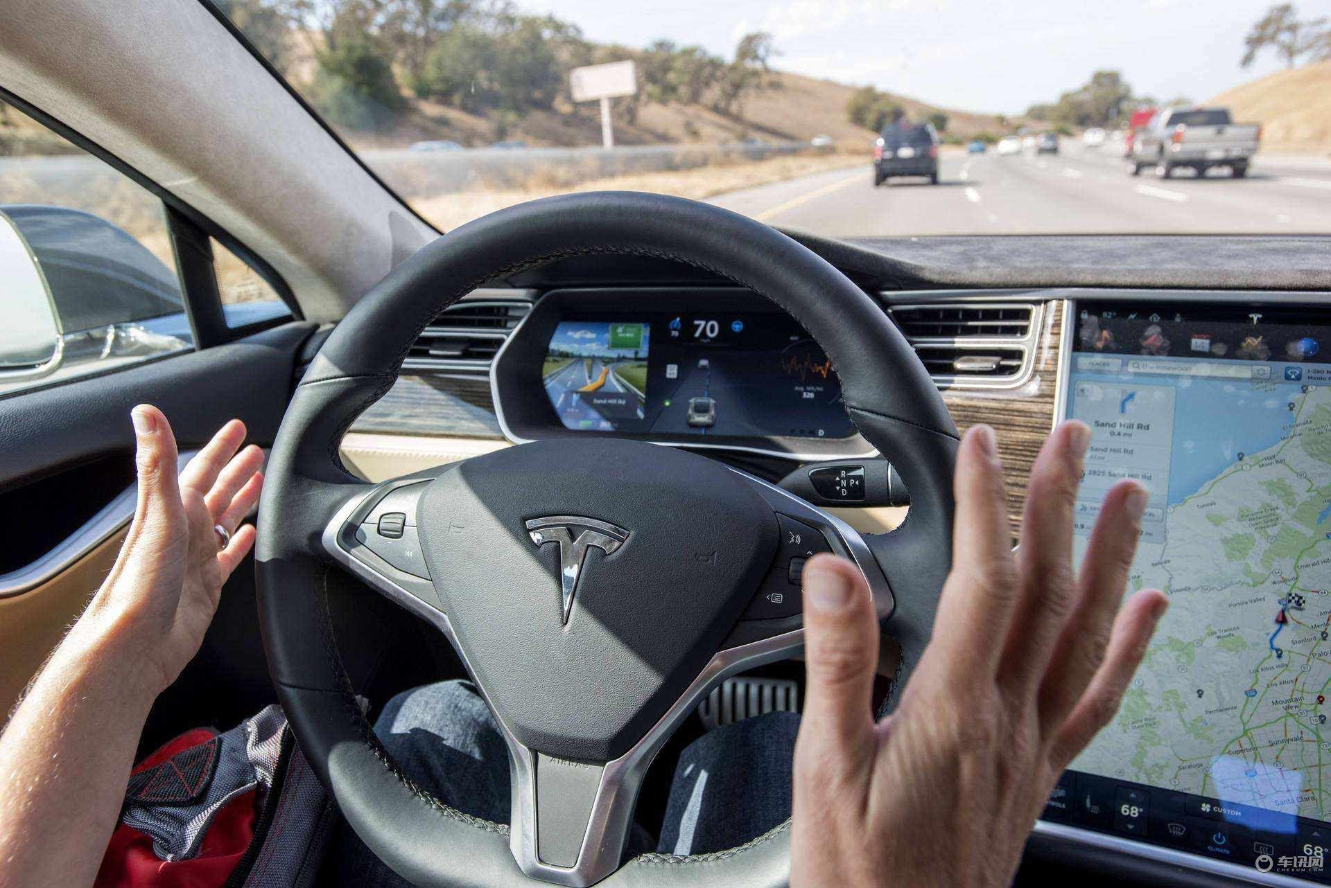 超60萬輛特斯拉汽車搭載完全自動駕駛芯片