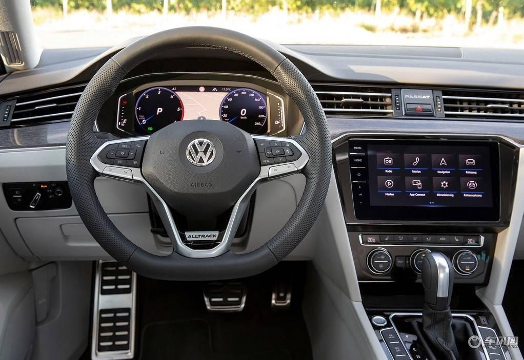 Volkswagen-Passat_Alltrack-2020-1024-4f.jpg