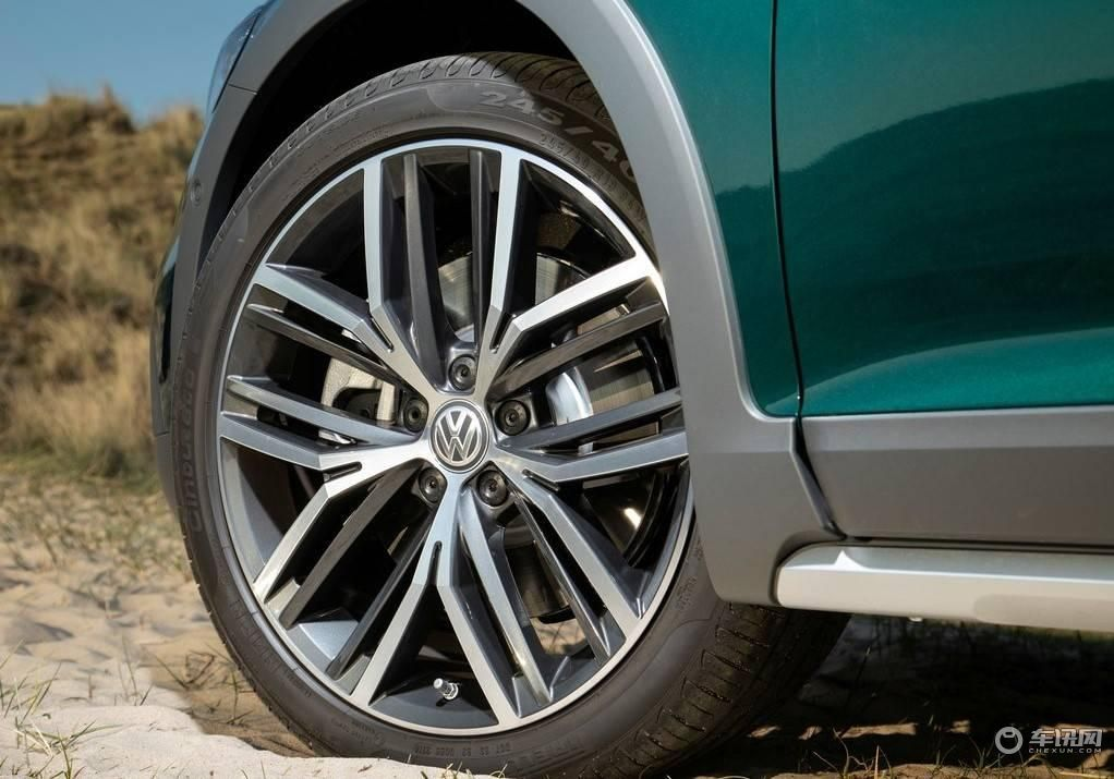 Volkswagen-Passat_Alltrack-2020-1024-70.jpg