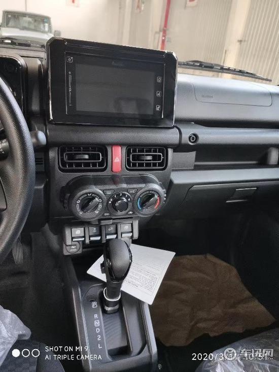 2020款铃木吉姆尼1.5发动机 经典小越野